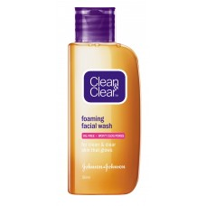 Clean & Clear facewash - Foaming